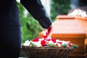 Blumenkorb-Abschied nehmen-Bestattungen Bauer Schwäbisch Gmünd