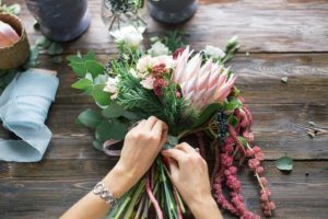 Blumen binden-Abschied nehmen-Bestattungen Bauer Schwäbisch Gmünd